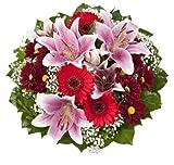 Dominik Blumen und Pflanzen, Blumenstrauß 'Charlotte' mit rosa Lilien, Chrysantheme, Gerbera und Schleierkraut