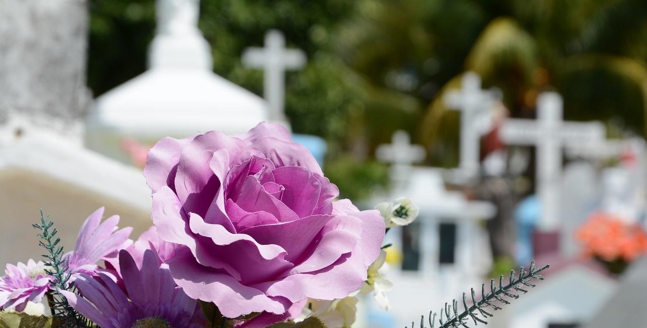 Trauer auf dem Friedhof