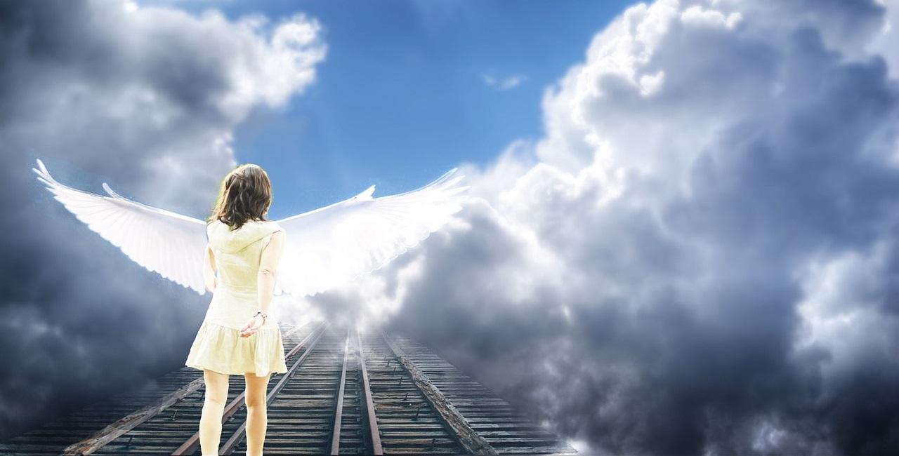 Engel auf dem Weg zum Himmel
